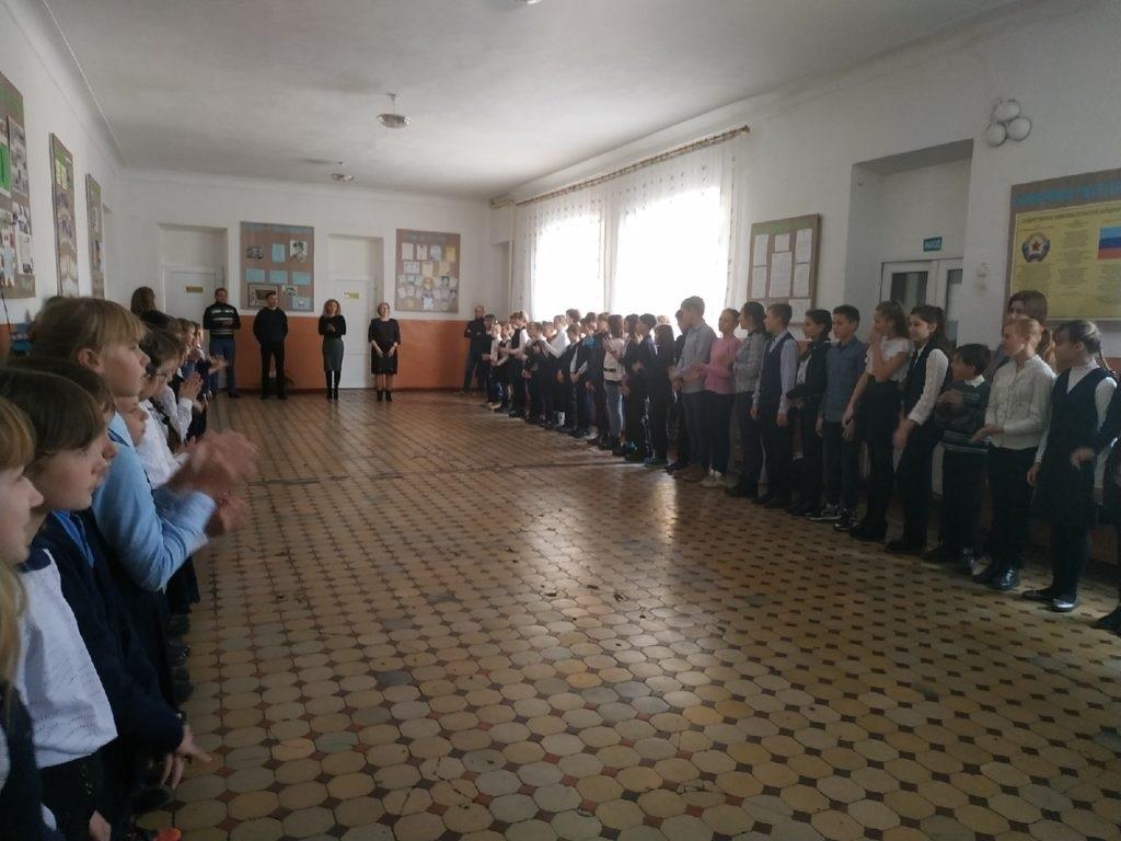 В Чернухино прошло вручение школьной доски приуроченное ко Дню работника образования 3