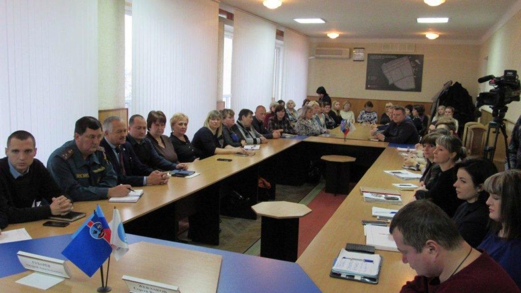 Депутат Народной Совета ЛНР Андрей Губарев посетил Стаханов 4