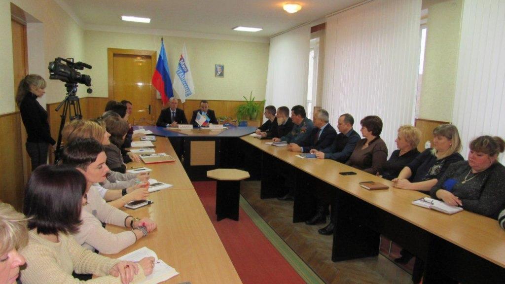 Депутат Народной Совета ЛНР Андрей Губарев посетил Стаханов 3