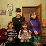 Александра Коваленко посетила многодетные и социально незащищенные семьи Краснодонского района