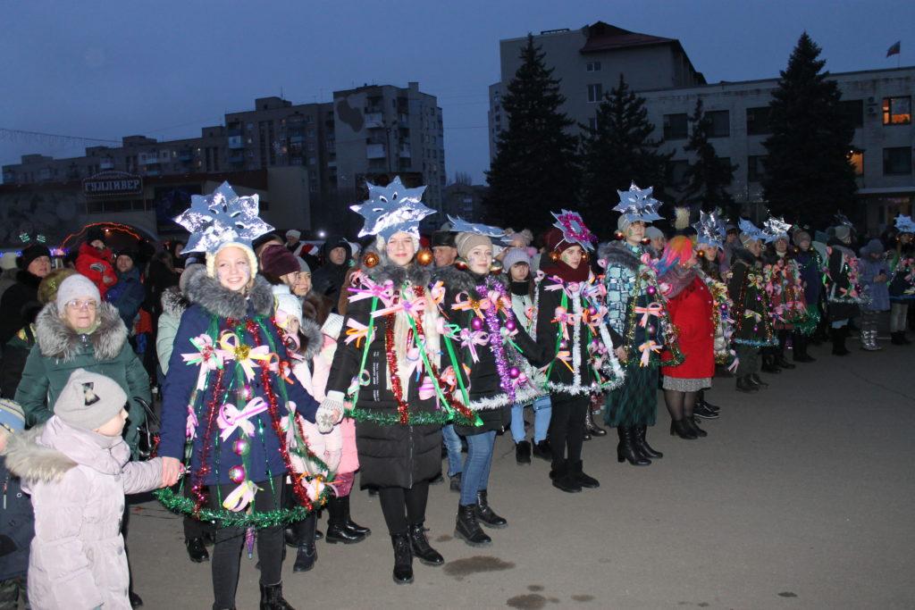 Открытие городской новогодней елки состоялось в Краснодоне 3