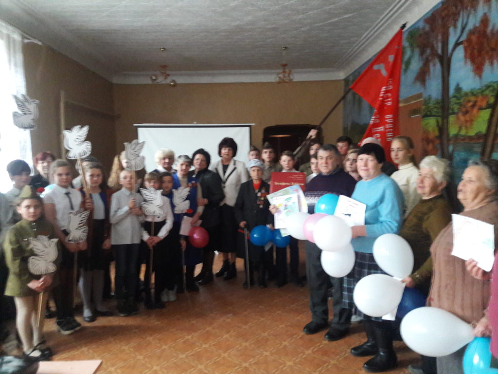 В Суходольской школе прошла патриотическая акция «Знамя Победы» 2