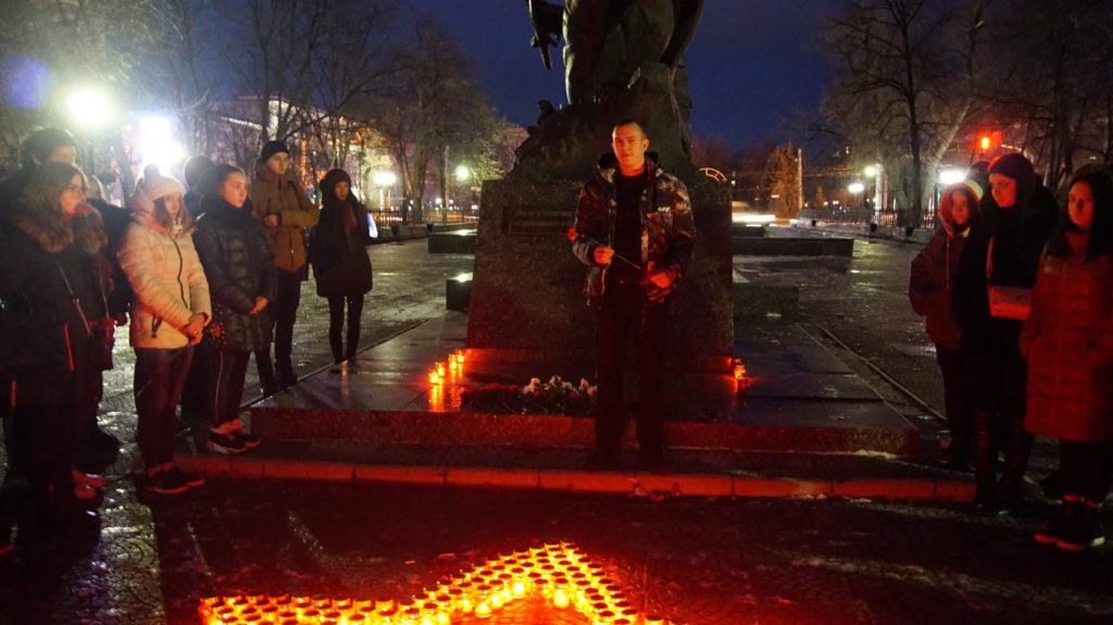 Память неизвестных солдат почтили в Луганске 4
