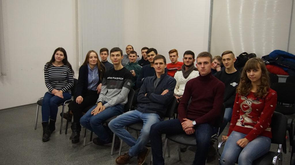 Активисты проекта «Волонтер» провели встречу в Луганске, приуроченную к Международному дню добровольцев 2