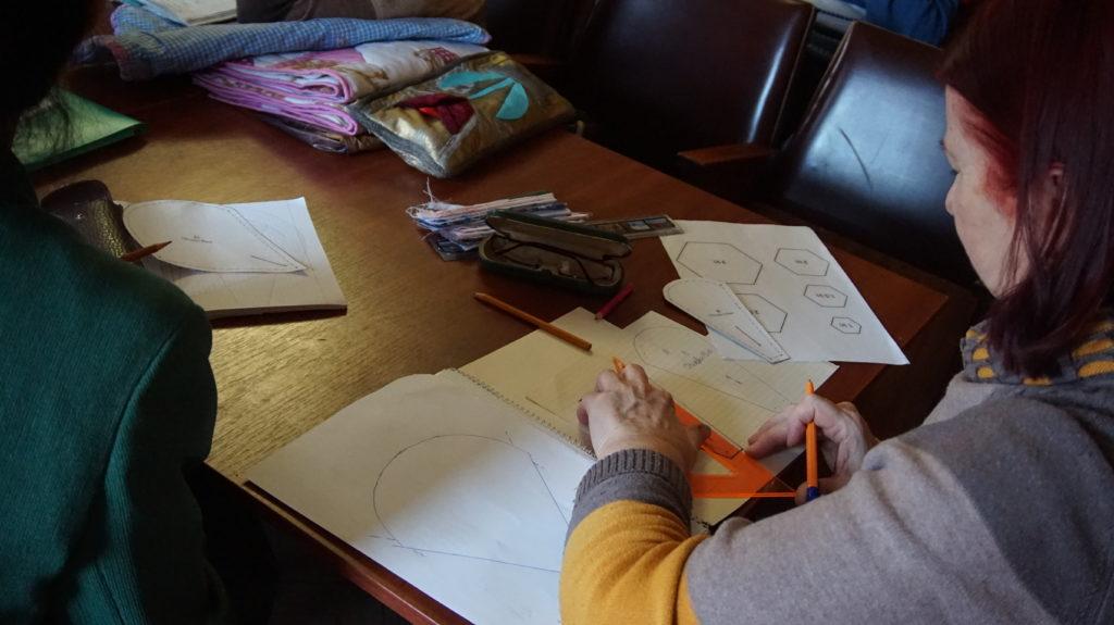 В Луганском Дворце культуры прошло занятие по лоскутному шитью 2