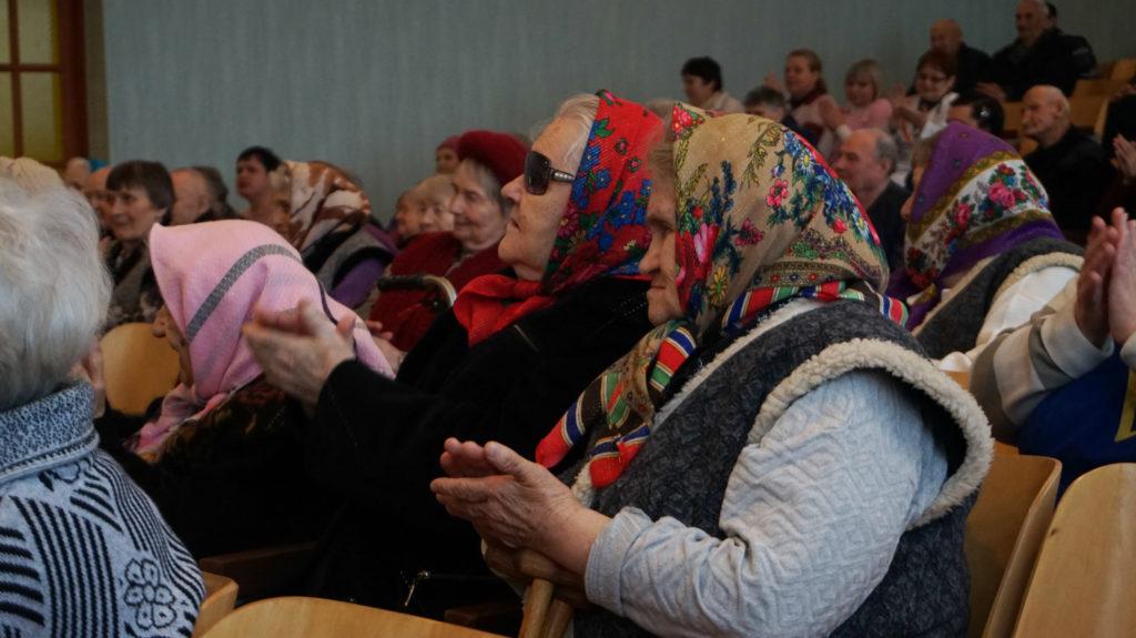 Праздничная встреча с ветеранами войны и труда состоялась в луганском пансионате 8