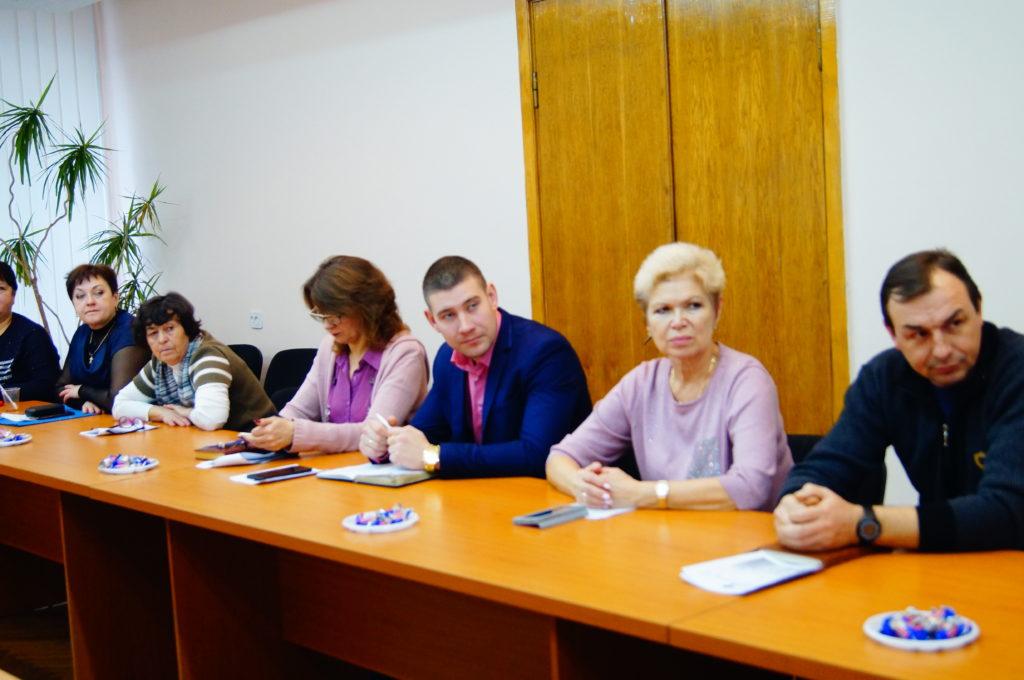 В Кировске состоялась встреча членов Кировского теротделения, председателей первичных отделений и активистов ОД «Мир Луганщине» 1