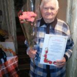 В Алчевске поздравили с 90-летием участника Великой Отечественной войны