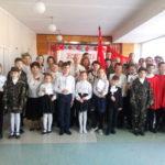 В Молодогвардейской школе состоялась передача копии Знамени Победы