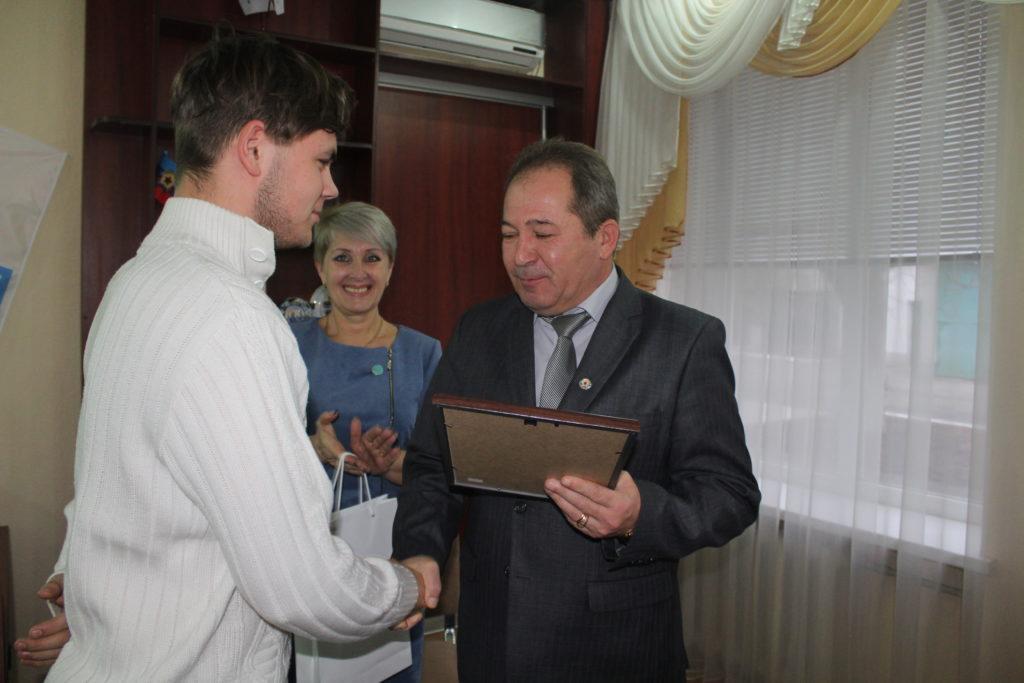 В Славяносербске прошла встреча активистов Общественного движения «Мир Луганщине» 5