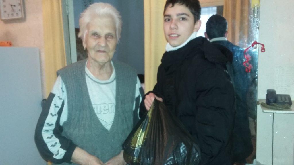 Акция «Как живешь, ветеран» продолжается – 176 ветеранов получили подарки в Луганске 3