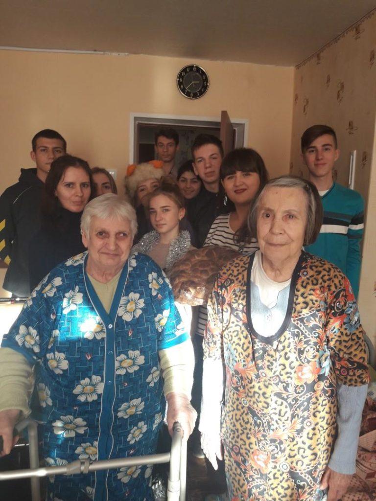 Представители Молодёжного Совета совместно с активистами проекта «Молодая гвардия» посетили Кировский комплексный центр социального обслуживания населения 2