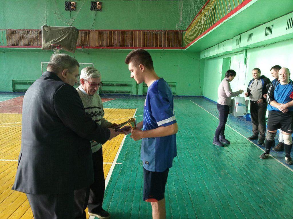 Открытый футбольный турнир «Новогодний кубок» состоялся в Красном Луче 3