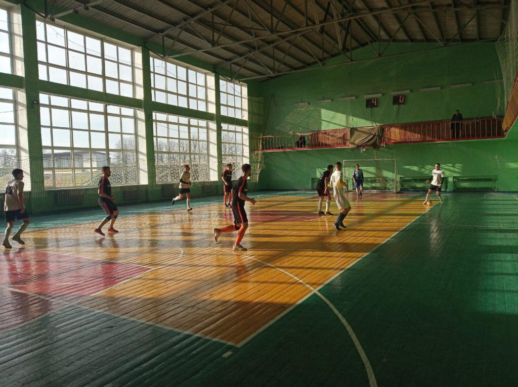 Открытый футбольный турнир «Новогодний кубок» состоялся в Красном Луче 6