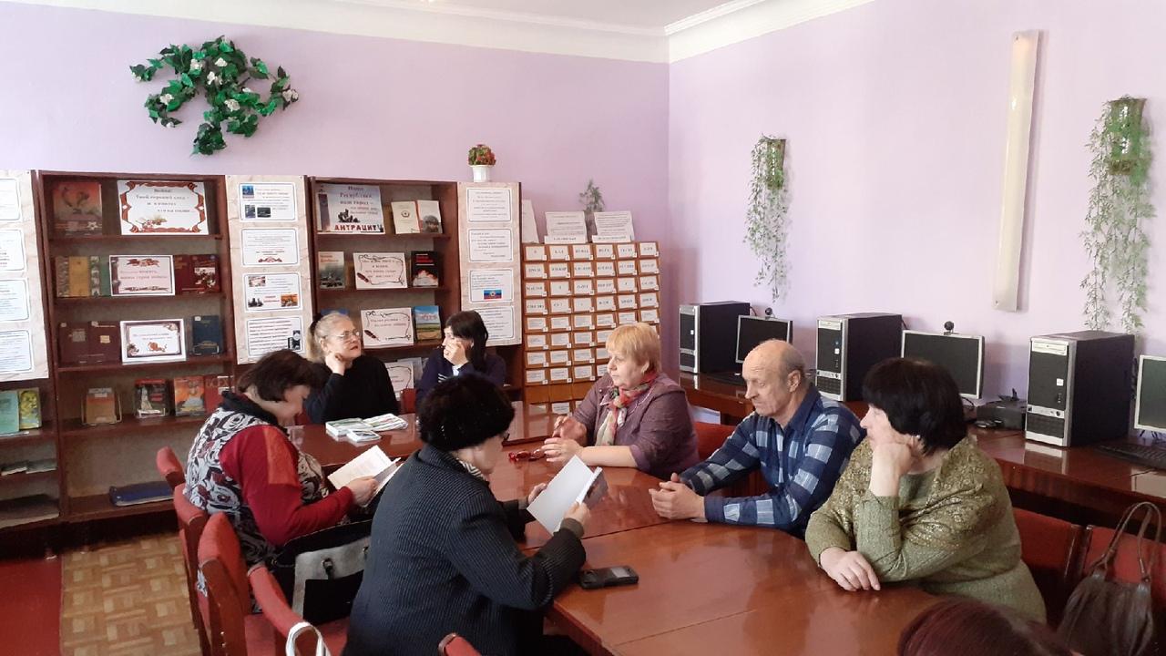 В Антраците прошла презентация нового сборника луганского поэта Андрея Медведенко «Запах чабреца» 2