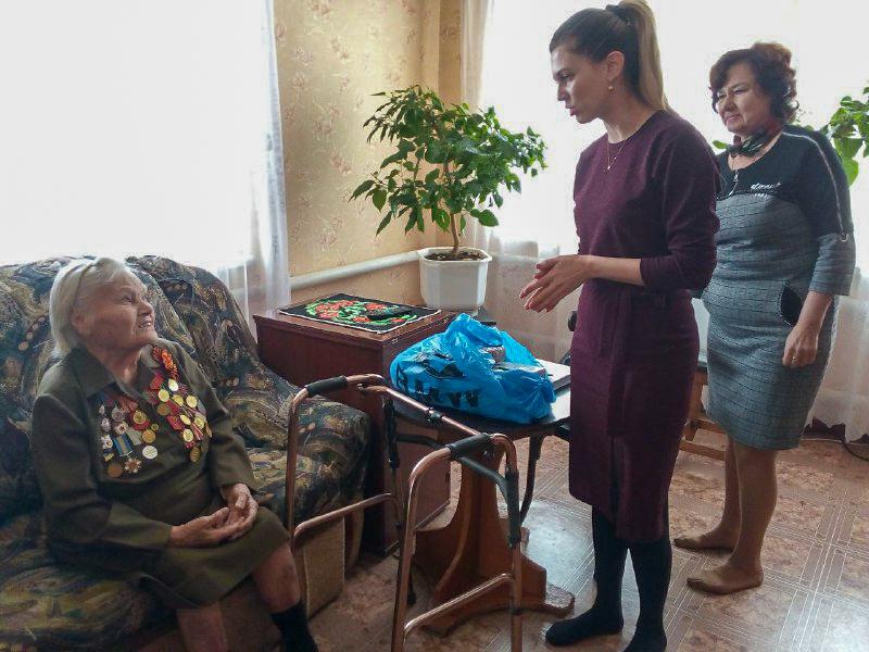 В рамках акции «Как живешь, ветеран? ветеран Великой Отечественной войны получила помощь в Перевальском районе
