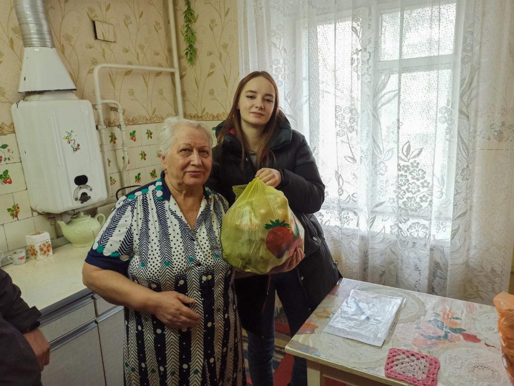 Активисты проекта «Волонтер» передали партию шефской помощи жителям Луганска 2