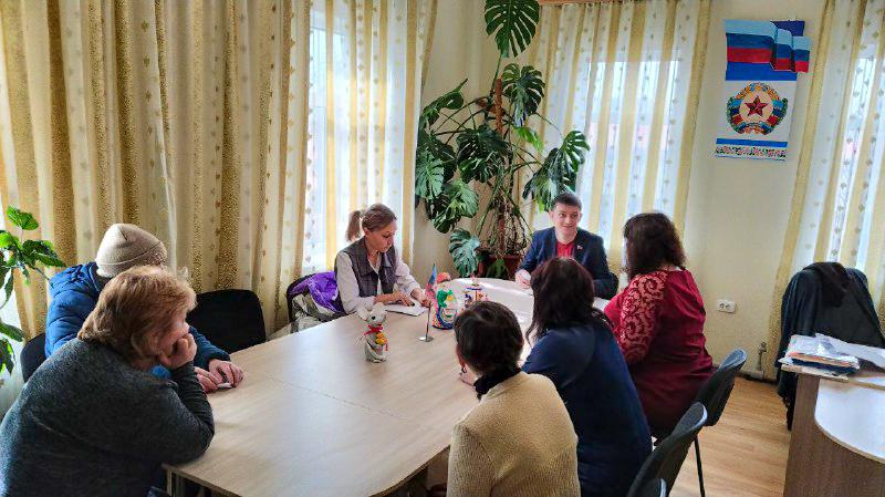Представители ОД «Мир Луганщине» встретились с жителями поселка городского типа Городище 1