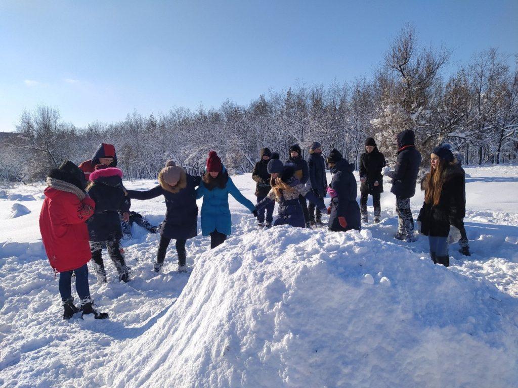В Краснодоне активисты проекта «Молодая Гвардия» провели туристический поход 1