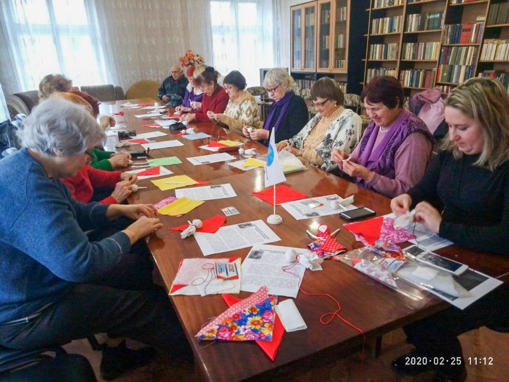 В Луганске прошёл мастер-класс «Кукла-мотанка – славянское семейное наследие» 2