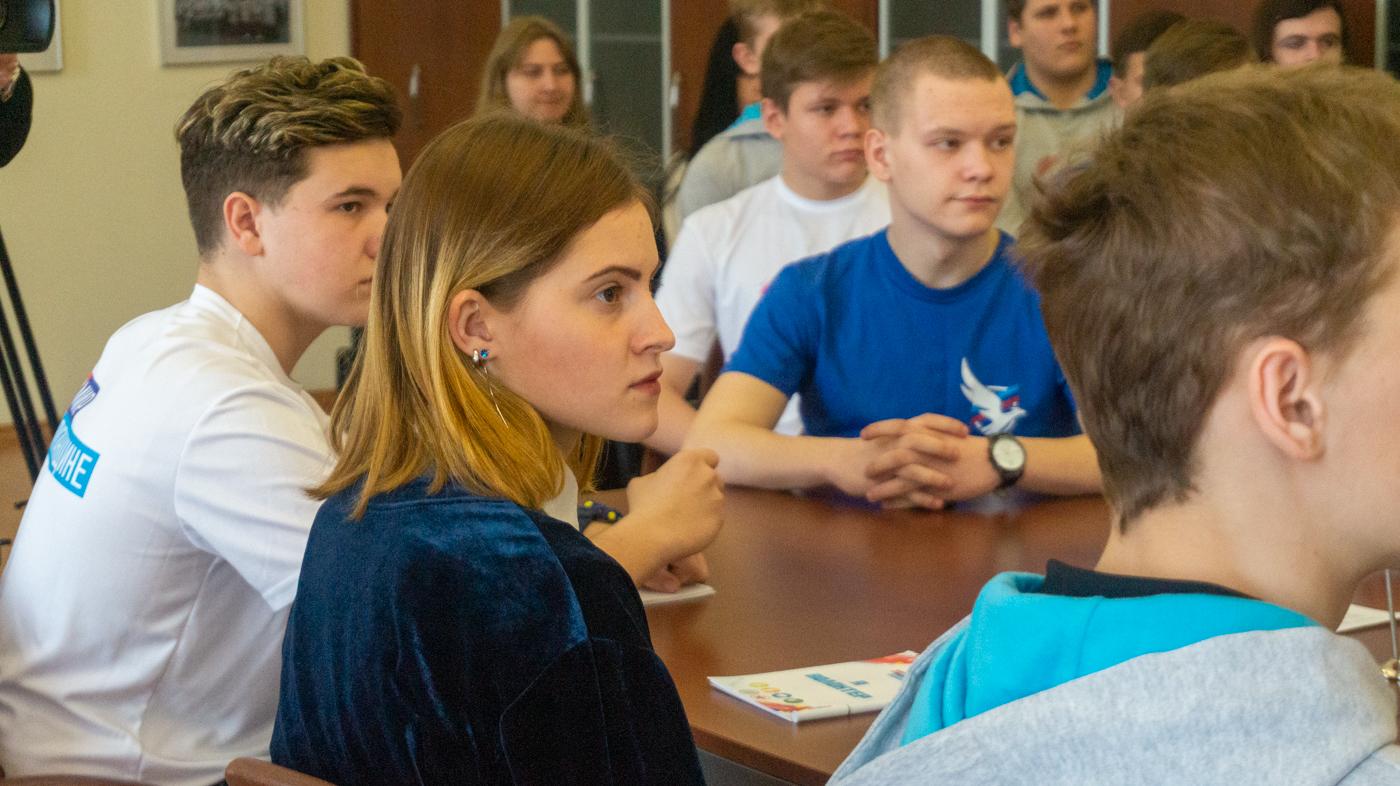 Обучающий семинар с участием представителей Всероссийского Общественного движения «Волонтеры Победы» состоялся в Луганске 4