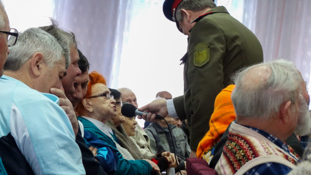 Ветеранов в Луганске поздравили с освобождением города 4