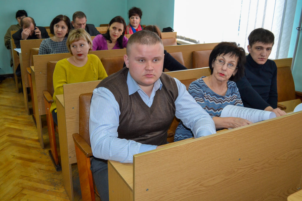 Представители министерства топлива, энергетики и угольной промышленности ЛНР провели прием в Ровеньках 1