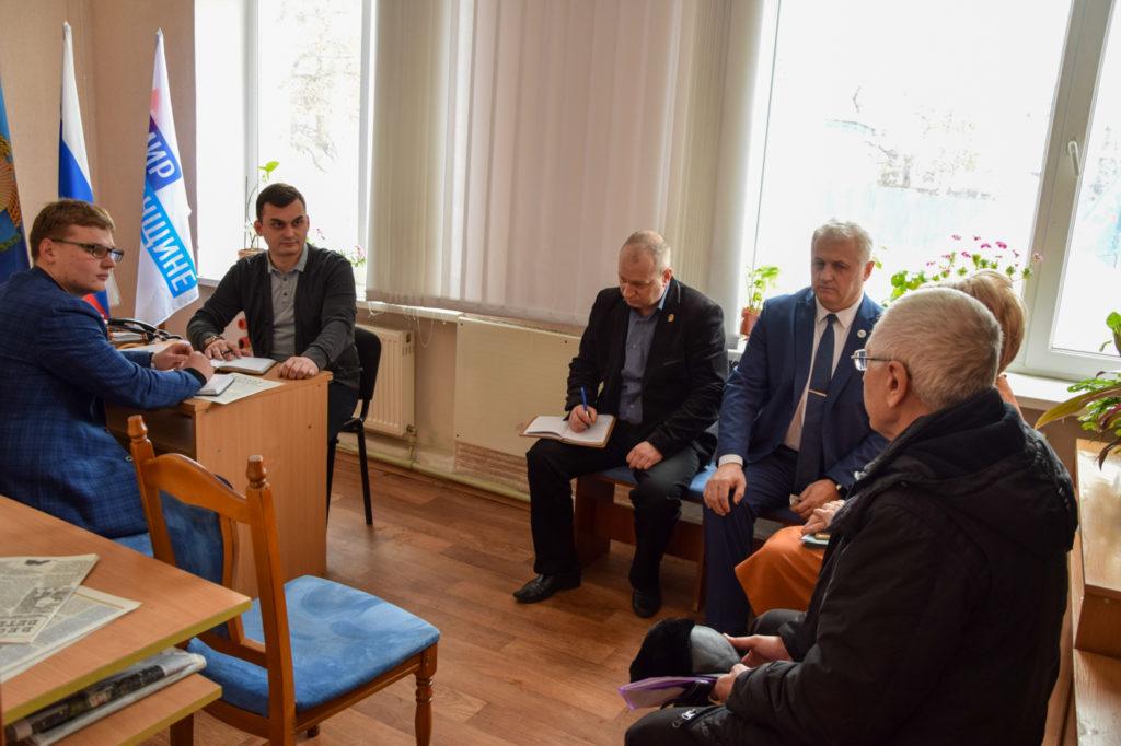 Прием помощника председателя Народного Совета Евгения Губарева состоялся в Красном Луче 1