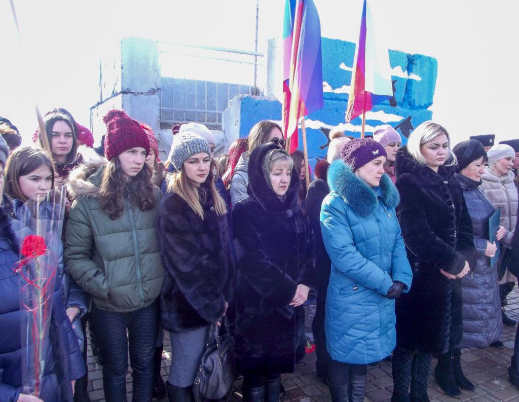 В Краснодоне отметили пятую годовщину завершения Чернухино-Дебальцевской операции 2