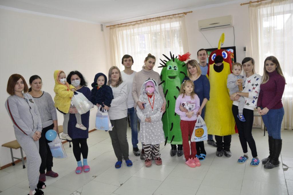 Активисты проекта ОД «Мир Луганщине» посетили онкобольных в Луганске 4