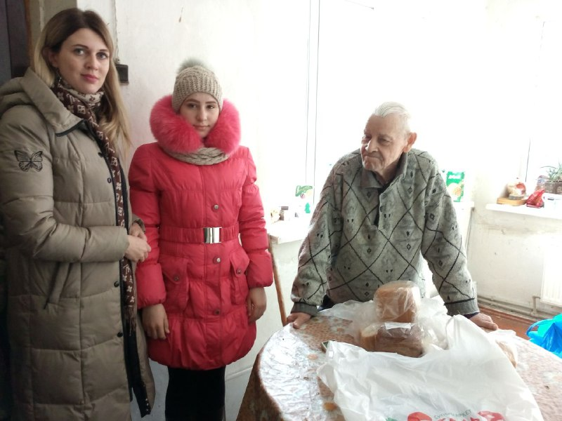 Участники боевых действий ВОВ получили помощь от проекта «Забота о ветеранах» в Перевальске 3