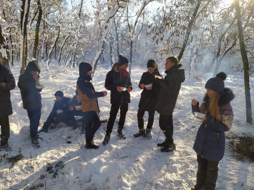 В Краснодоне активисты проекта «Молодая Гвардия» провели туристический поход 3