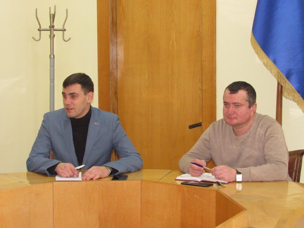 Алексей Околелов встретился с активистами Стахановского теротделения ОД «Мир Луганщине»