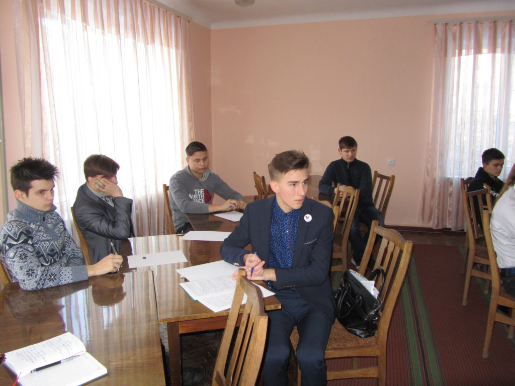 В Кировске состоялся тренинг для активистов проекта «Молодая Гвардия» «Диалог на равных» 1