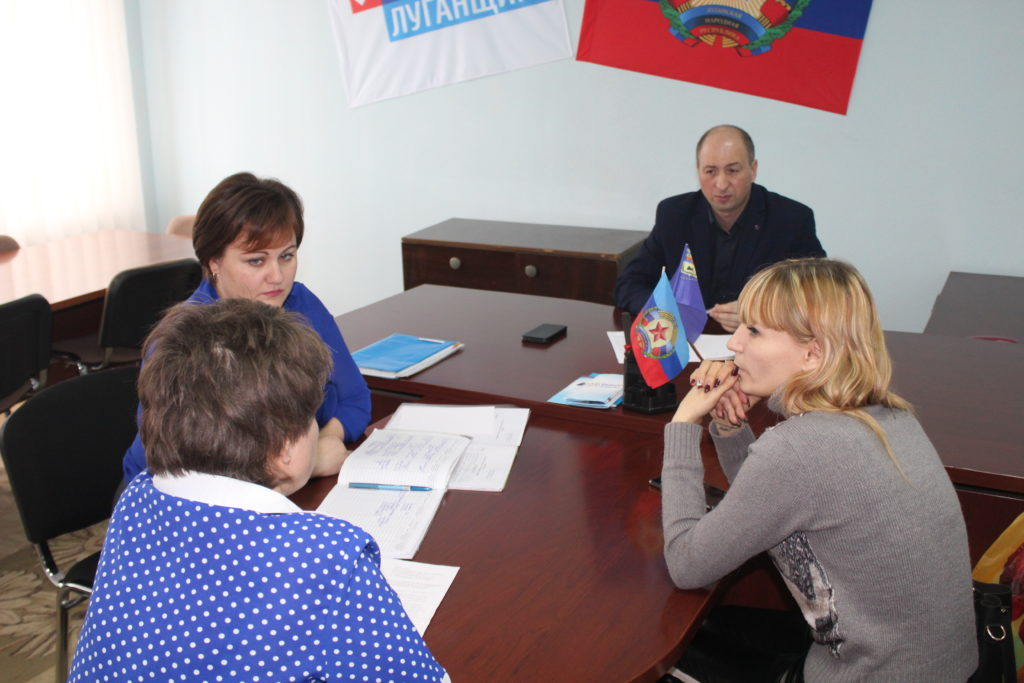 Сергей Крамаренко провел личный прием граждан в Славяносербске 1
