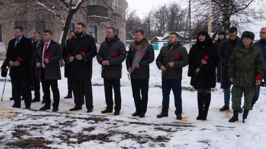 Митинг–реквием, посвящённый победе в Чернухино-Дебальцевской операции прошёл в Южной Ломоватке 1