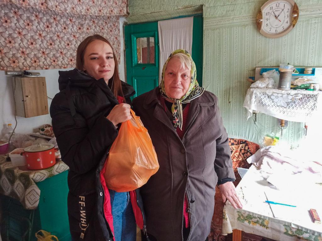 Активисты проекта «Волонтер» передали партию шефской помощи жителям Луганска 1