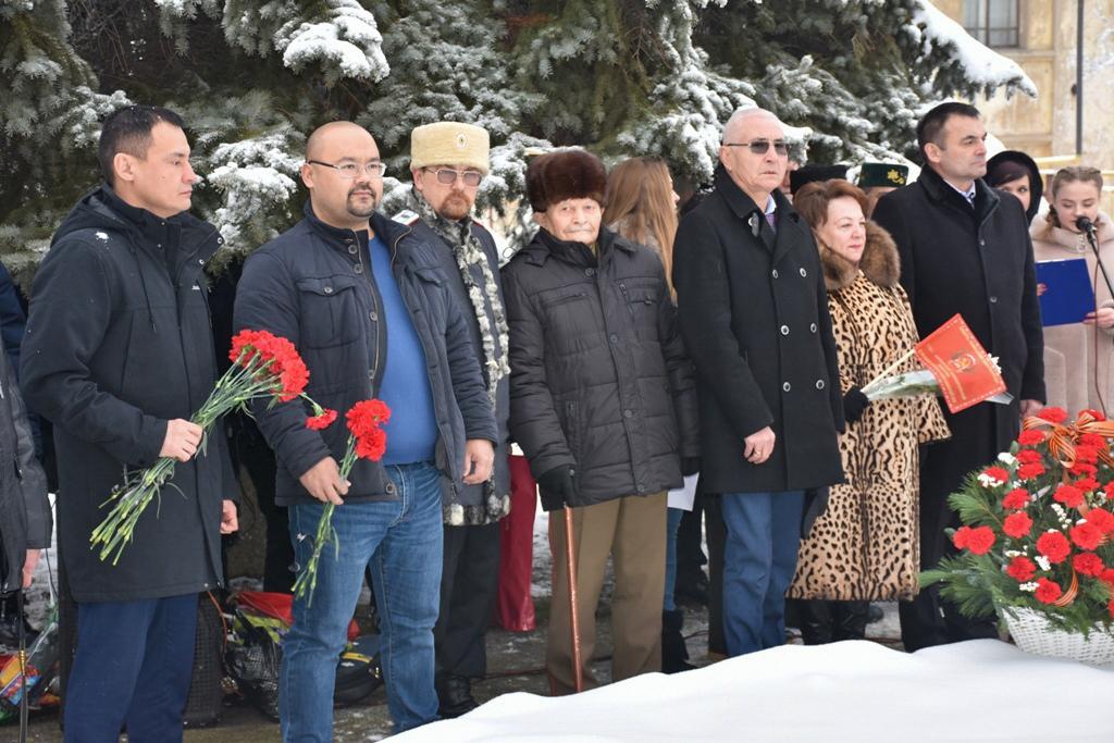 В Петровском состоялся митинг «Мы помним и гордимся!» 3