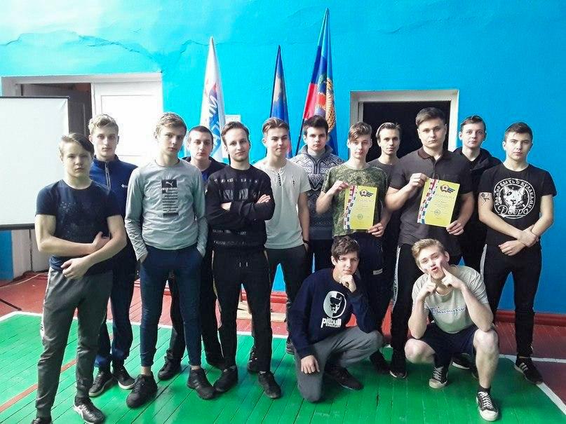 В Кировском техникуме состоялся праздник «А ну-ка, мальчики!» 1