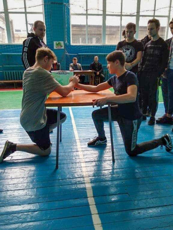 В Кировском техникуме состоялся праздник «А ну-ка, мальчики!» 3