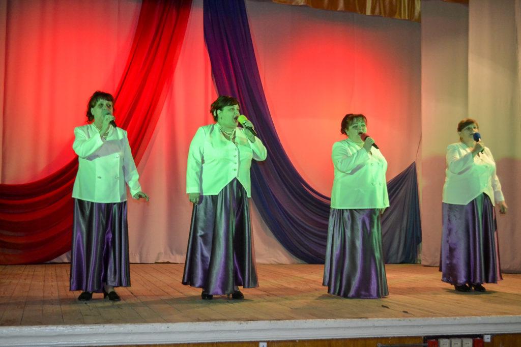 Праздничный концерт в честь Дня защитника Отечества прошёл в Лутугино 3