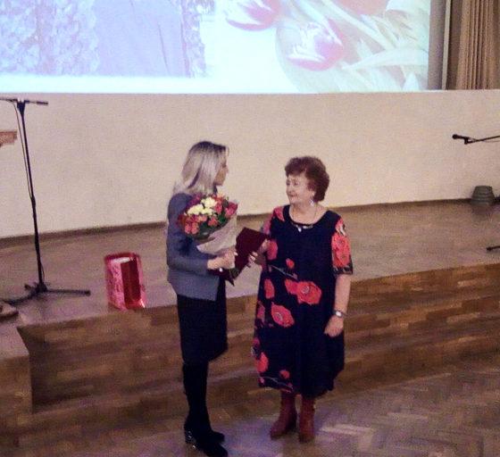 Активистку проекта «Забота о ветеранах» поздравили в Краснодоне 2