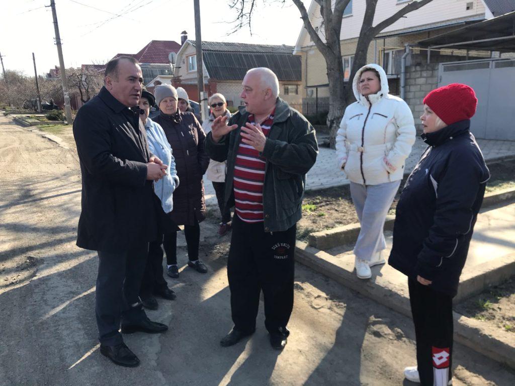 Павел Пилавов встретился с жителями Артемовского района в Луганске 2