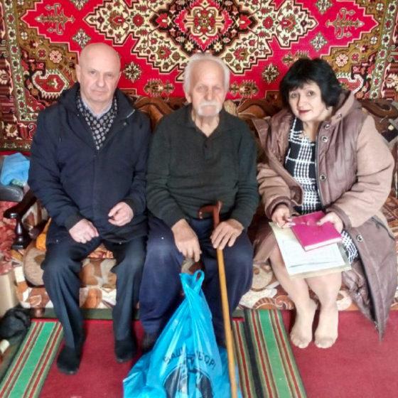 Ветераны ВОВ получили помощь от проекта «Забота о ветеранах» в Перевальске 3