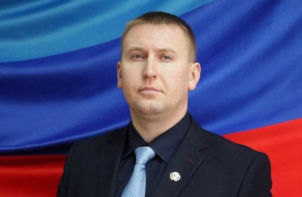 Денис Мирошниченко поздравил с Международным женским днем