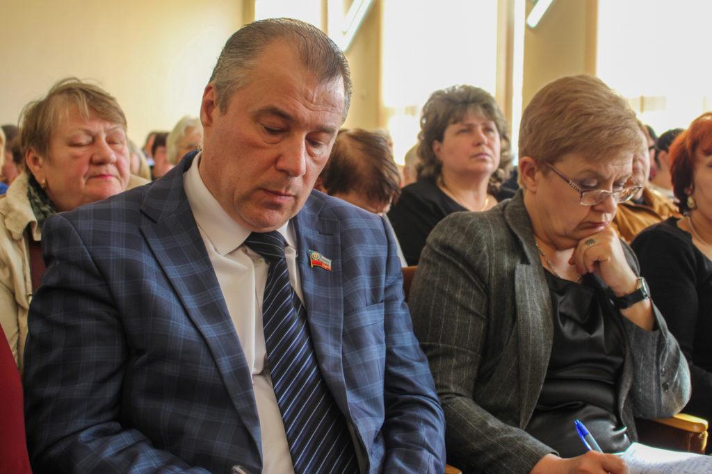 Денис Мирошниченко и депутаты Народного Совета ЛНР встретились с представителями органов самоорганизации Луганска 4