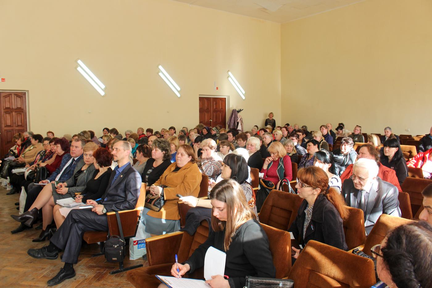 Денис Мирошниченко и депутаты Народного Совета ЛНР встретились с представителями органов самоорганизации Луганска
