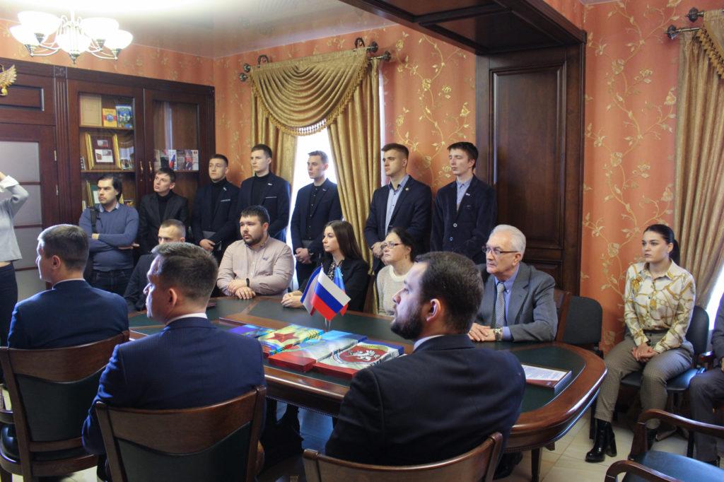 Активисты ОД «Мир Луганщине» поздравили представителей Русской общины Крыма в Луганске 1