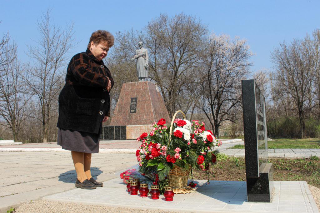 В Зимогорье установили мемориальный знак погибшим защитникам Донбасса 5