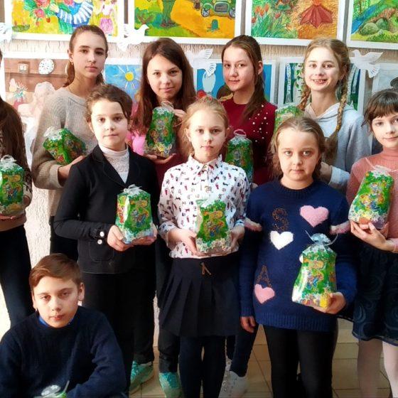 Юные художники Перевальска присоединились к акции ОД «Мир Луганщине» по борьбе с наркотиками 1